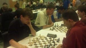 Simen Agdestein stakk innom en dag og ble Norgesmester i lynsjakk - igjen.
